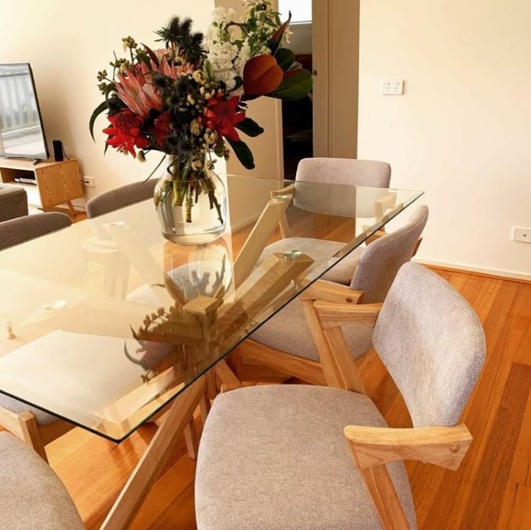 hardwood-dining-table-modern-dining-room.