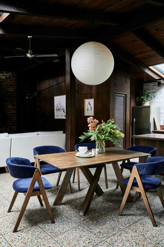 hardwood-dining-table-modern-dining-room1