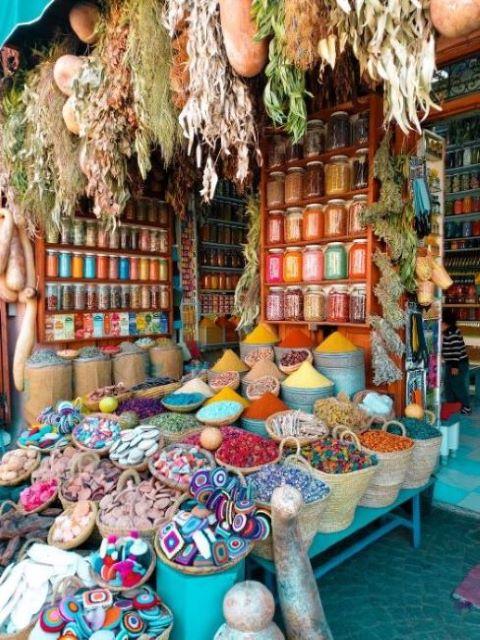 morocco-organic-colours-boho-master-bedroom-market.
