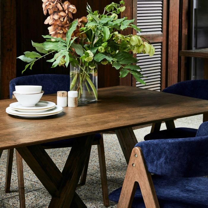 Styling your Dining Room Furniture on a Budget